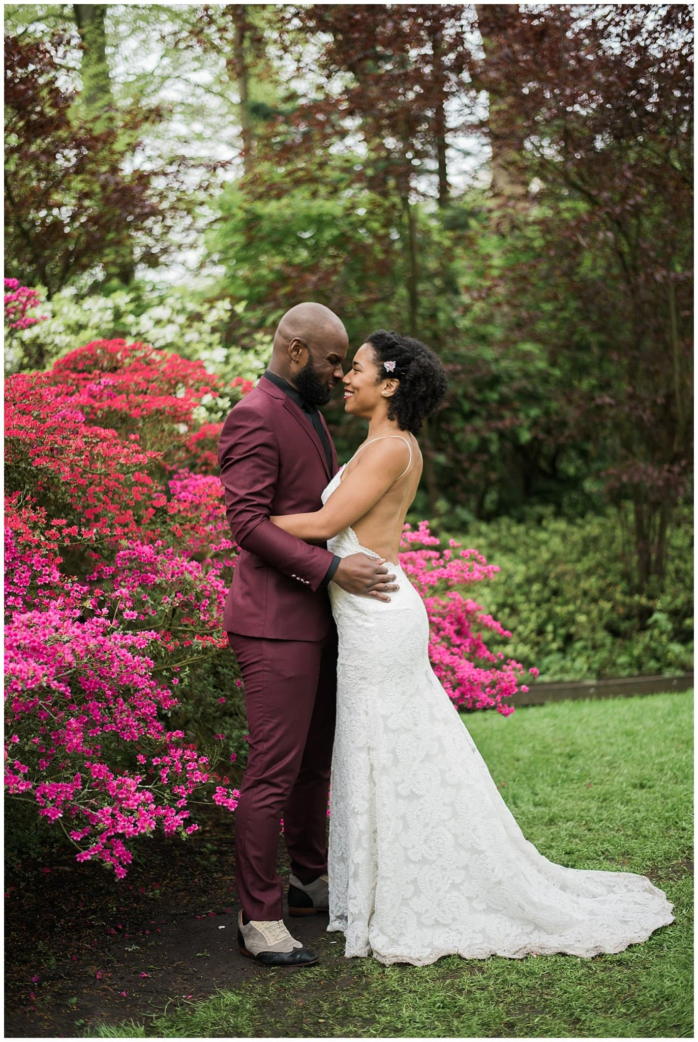 intimate tulip wedding photo