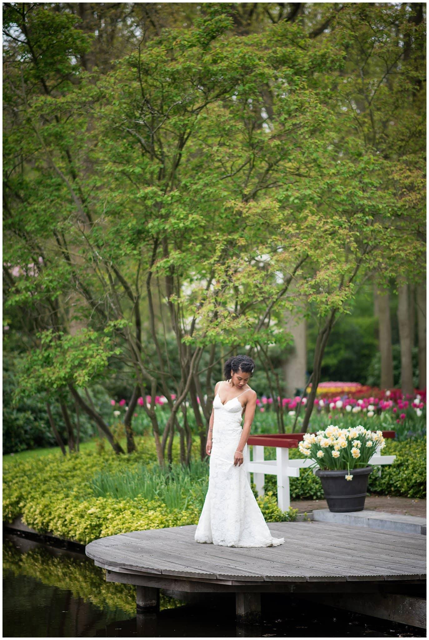 bride in Keukenhoff Tulip garden