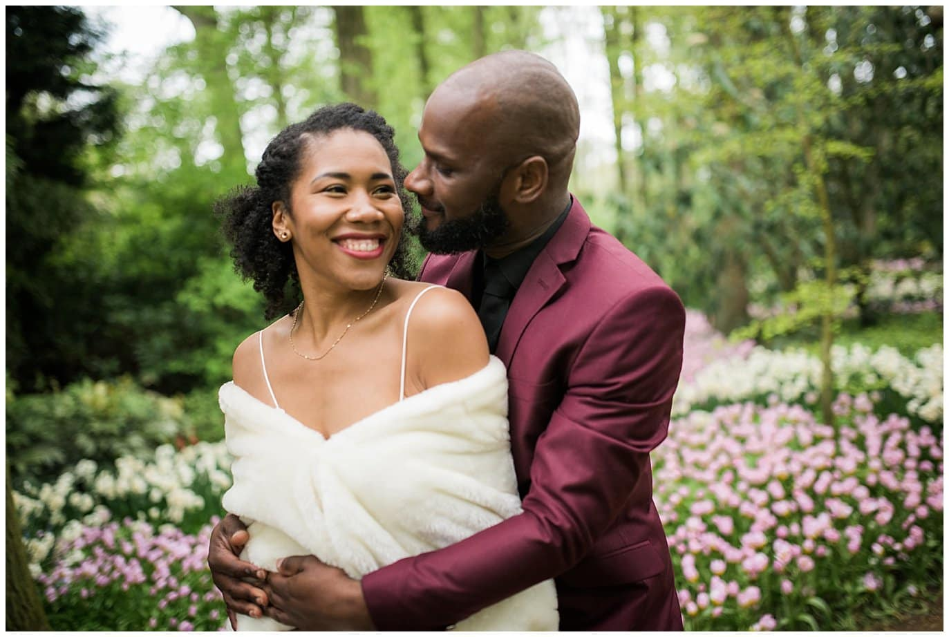 wedding photo in Amsterdam tulip garden photo