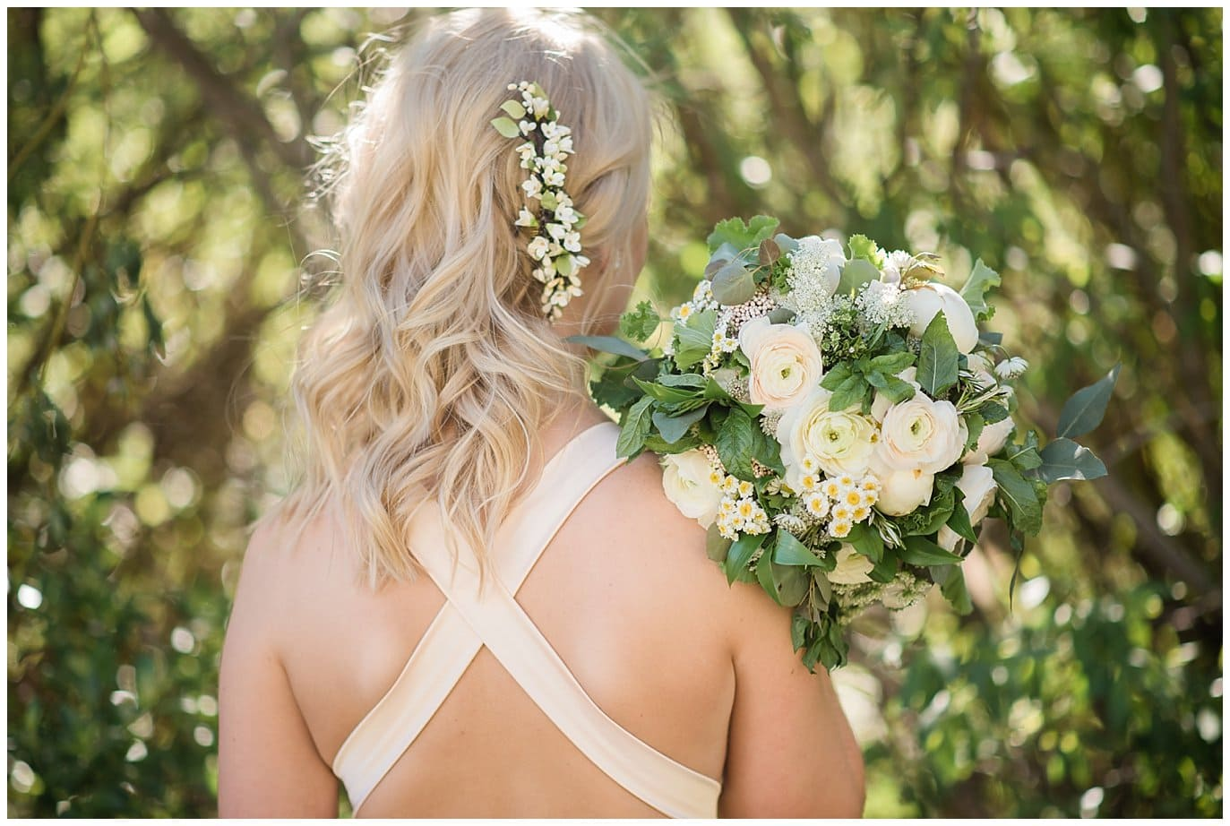 ivory and mint bridal bouquet at Deer Creek Valley Ranch wedding by Boulder Wedding Photographer Jennie Crate Photographer