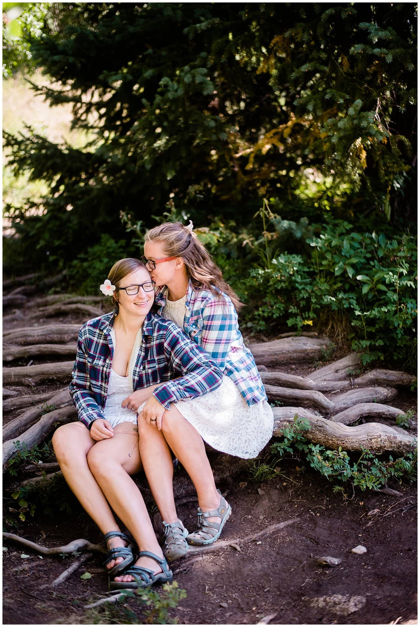 Hiking elopement photo