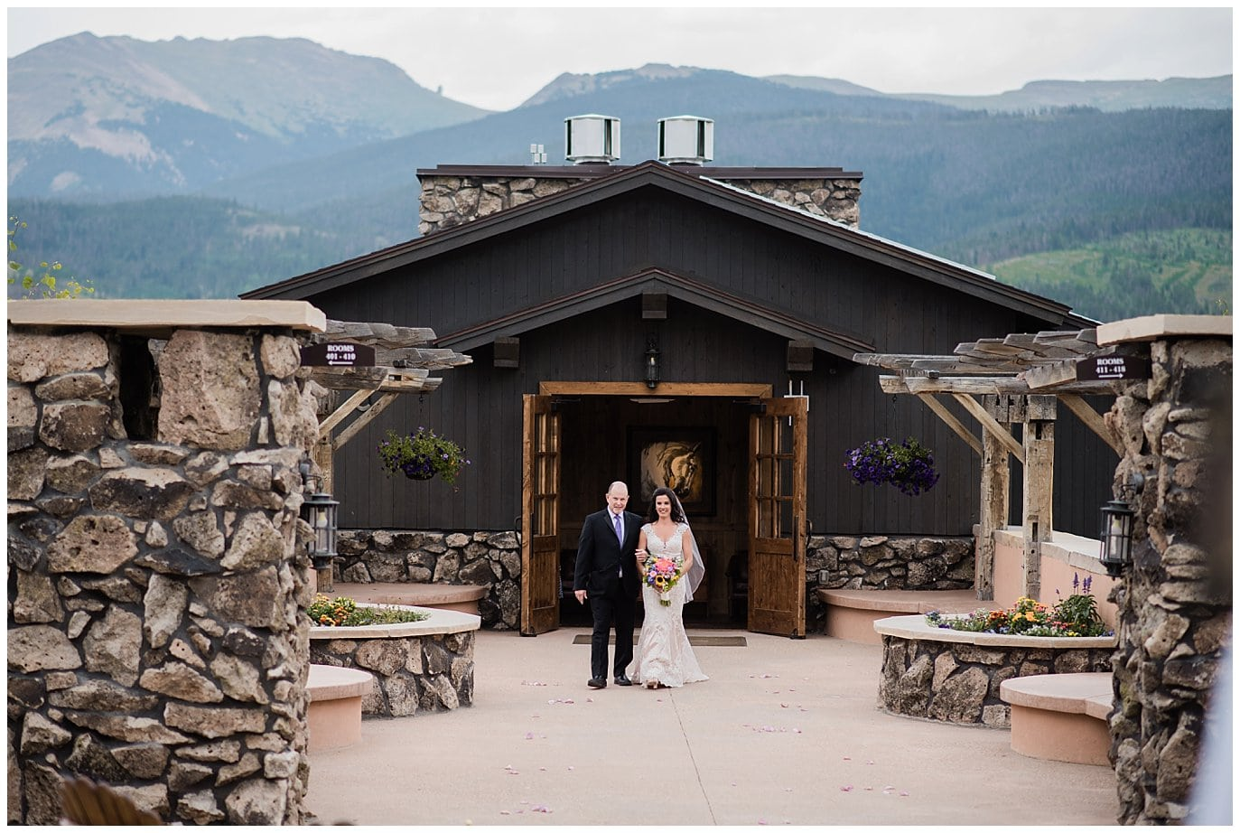devil's thumb ranch intimate wedding with views photo