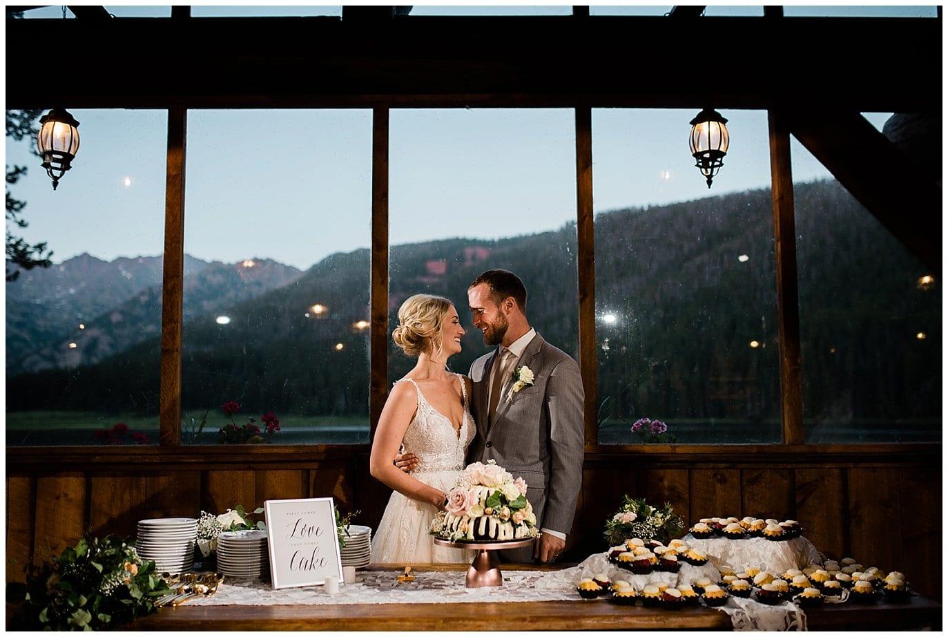 nothing bundt cakes wedding cake at Piney River Ranch wedding by Aspen wedding photographer Jennie Crate, Photographer