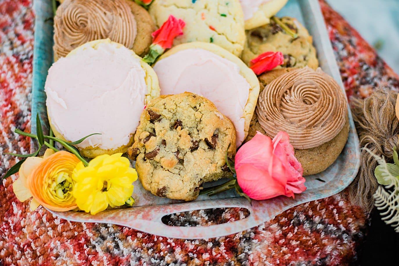 crumble cookies on wedding day
