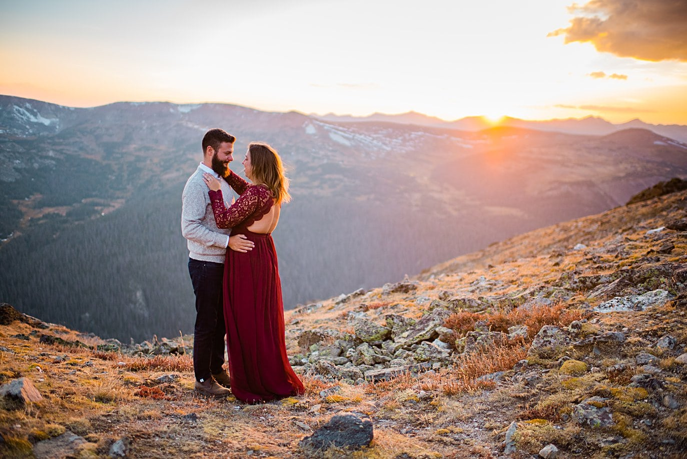 colorful sunset at top of trail ridge road by Grand Lake engagement photographer Jennie Crate