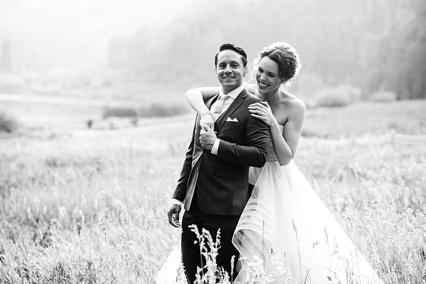 cozy fall at fall Maroon Bells wedding by Aspen wedding photographer Jennie Crate