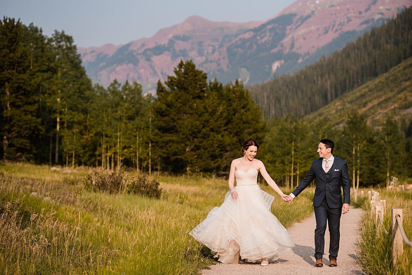 alpenglow at fall Maroon Bells wedding by Aspen wedding photographer Jennie Crate