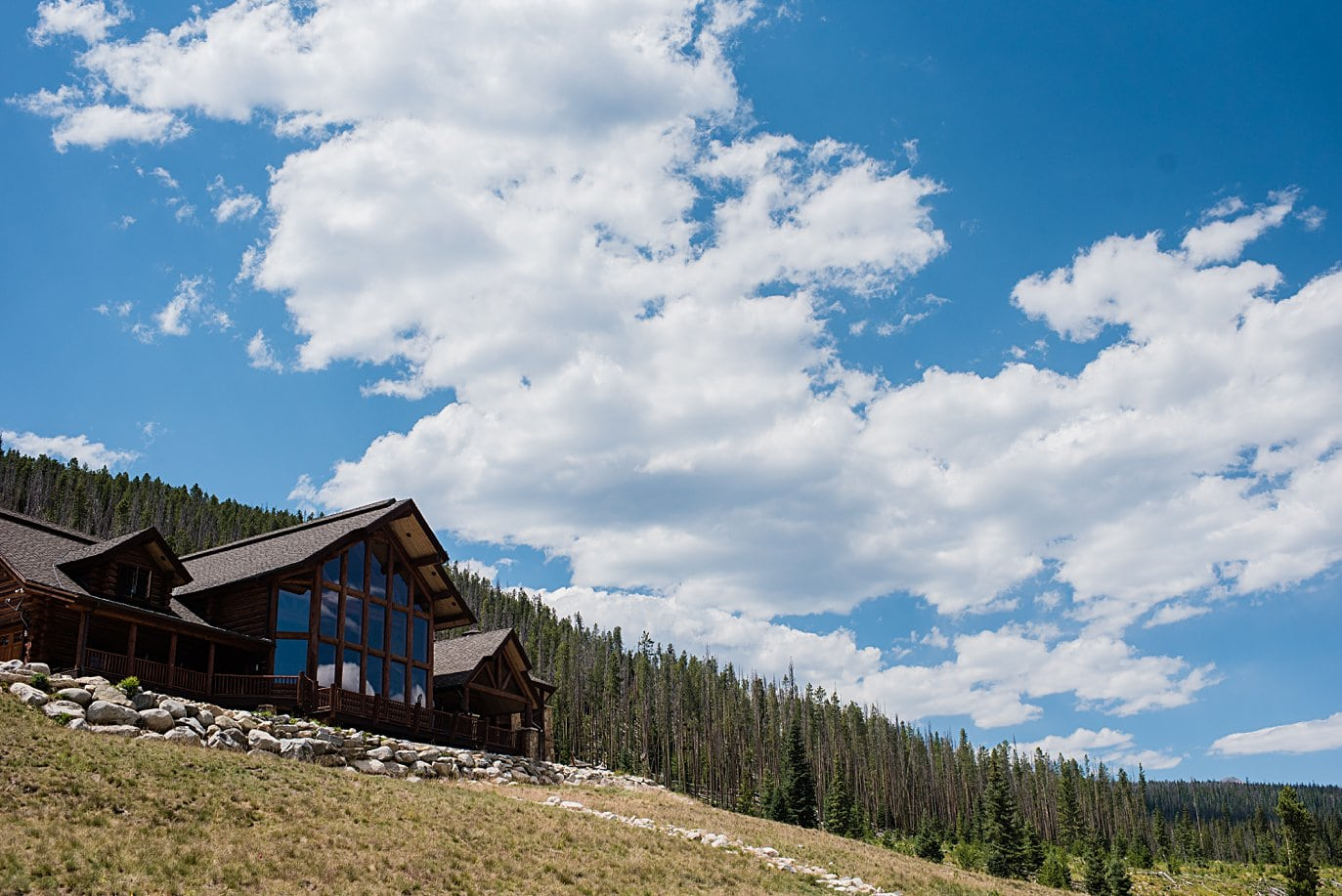 view of meadowview mountain lodge before the east troublesome fire at intimate Grand Lake wedding by Grand Lake wedding photographer Jennie Crate