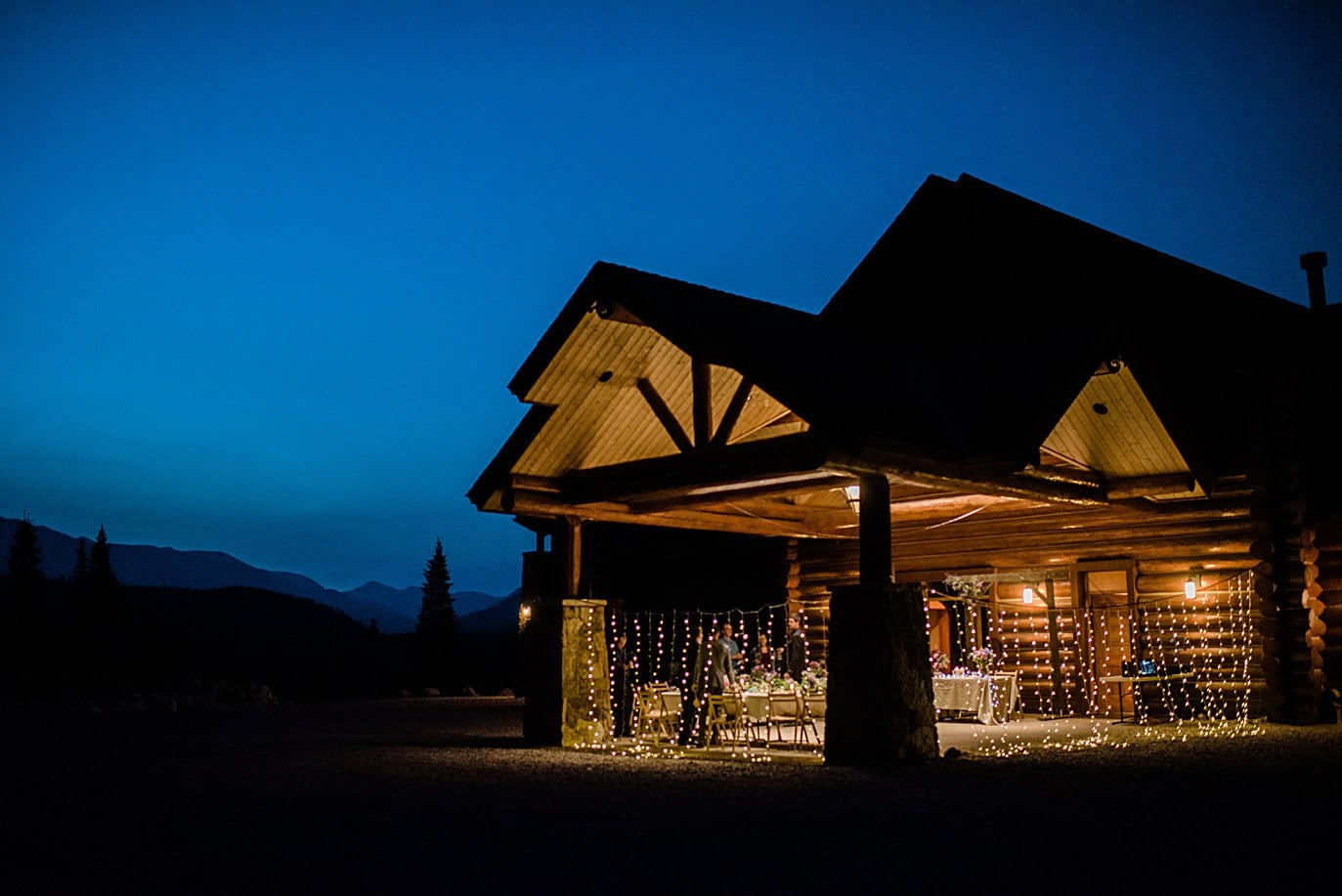 night view of Meadowview Mountain Lodge before East Troublesome Fire